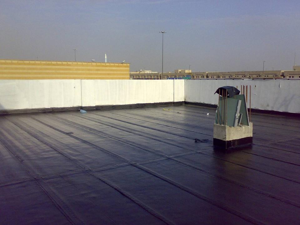 عزل السقف من الماء