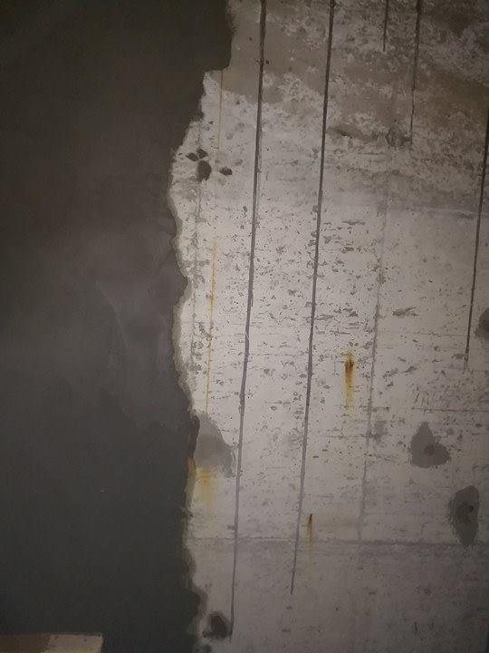 من الضروري عمل طبقة من اللياسة بعد تفتح الشروخ والتصدعان للخزان العلوي  التي يوجد بها تيهرب معالجة تسربات الخزان العلوي