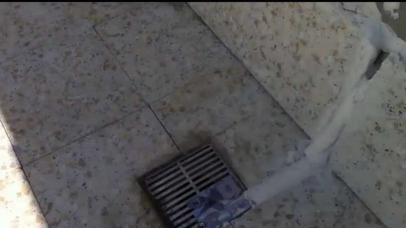 معالجة تسرب السقف للسطح علاج تسرب السطح